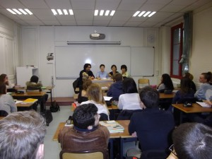 Alina and Huda conducting an workshop in a french school